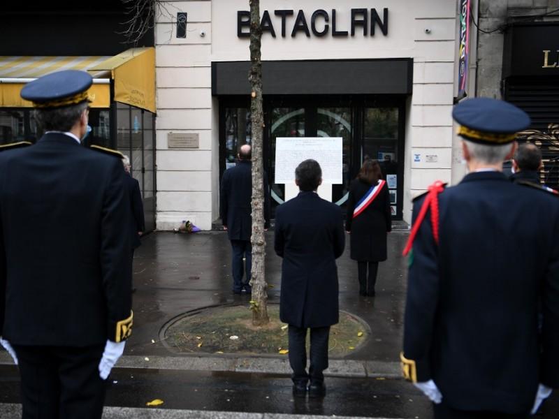 Francia conmemora quinto aniversario de atentado en París