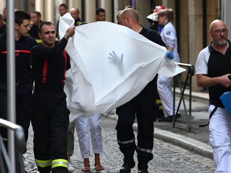 Francia: Explosión de paquete bomba deja 8 heridos