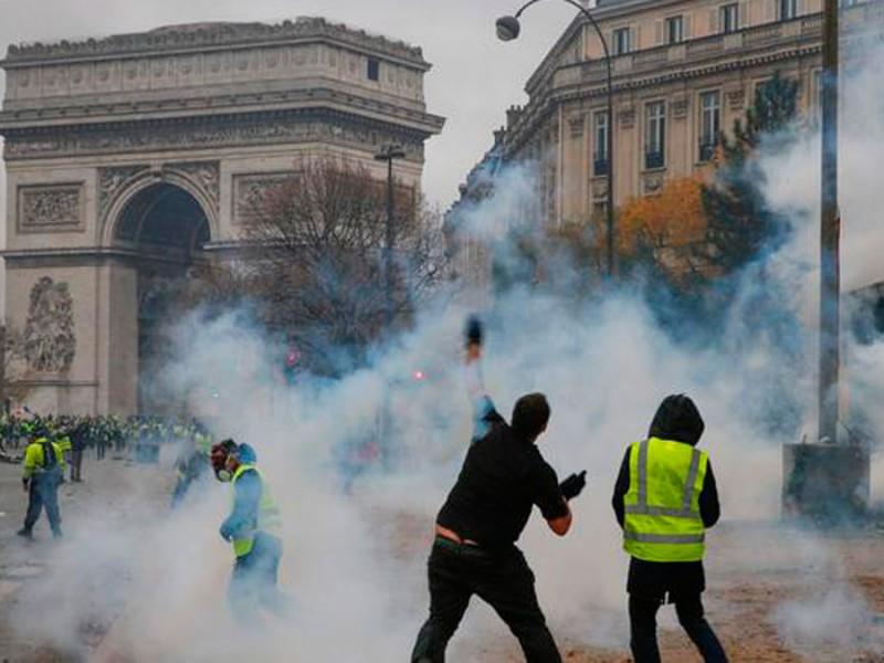 Francia se blinda ante protestas
