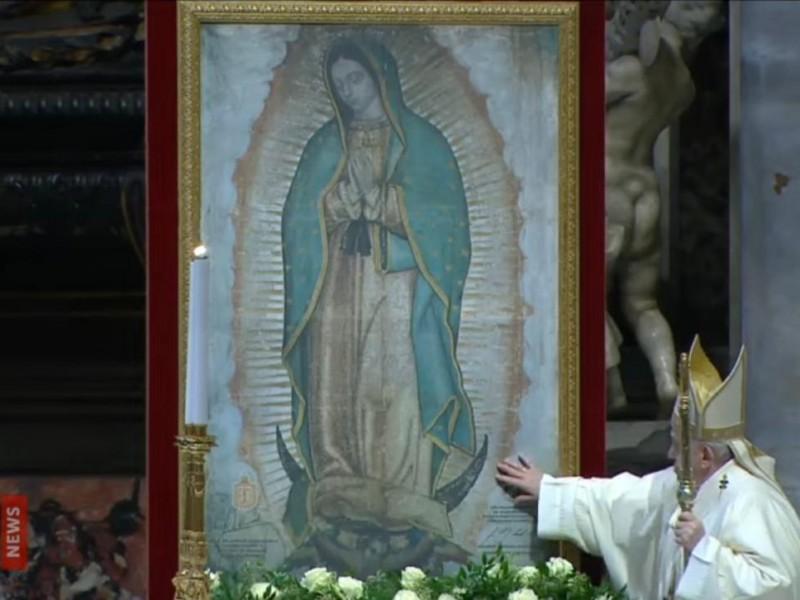 Francisco dedicó la misa por la Virgen de Guadalupe