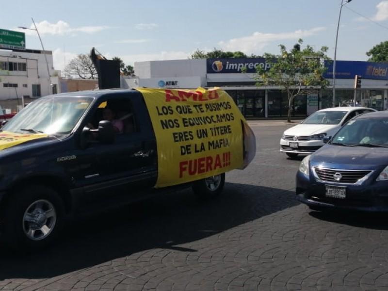'FRENA' exige renuncia de AMLO con caravanas por el país