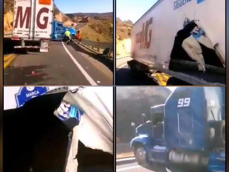 Fuerte accidente en el tramo Nochixtlán-Tepelmeme