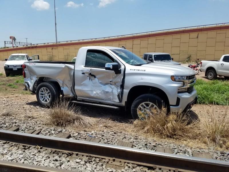 Fuerte accidente en vías del ferrocarril de Cajeme