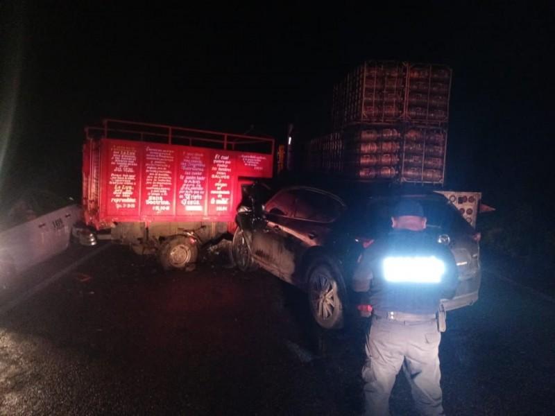 Fuerte accidente por bloqueo carretero en Juchitán