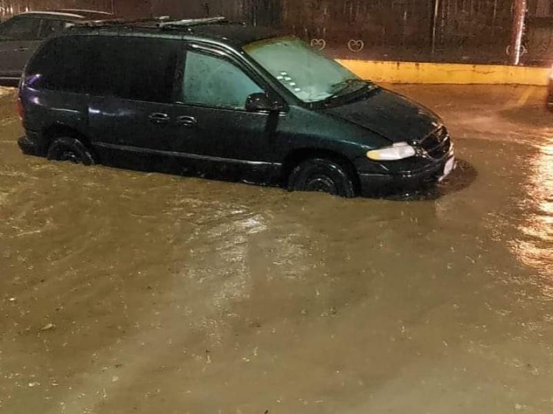 Fuerte lluvia deja afectaciones en Teziutlán