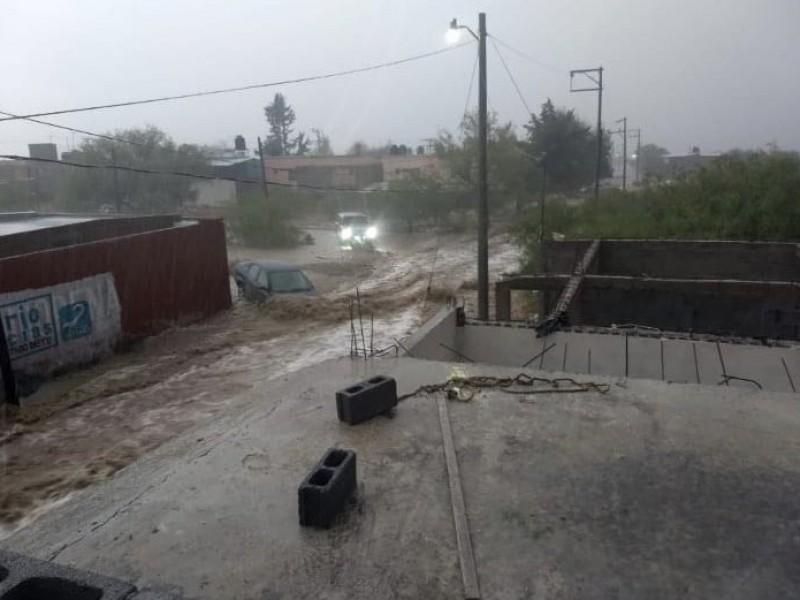 Fuerte lluvia golpea Zacatecas
