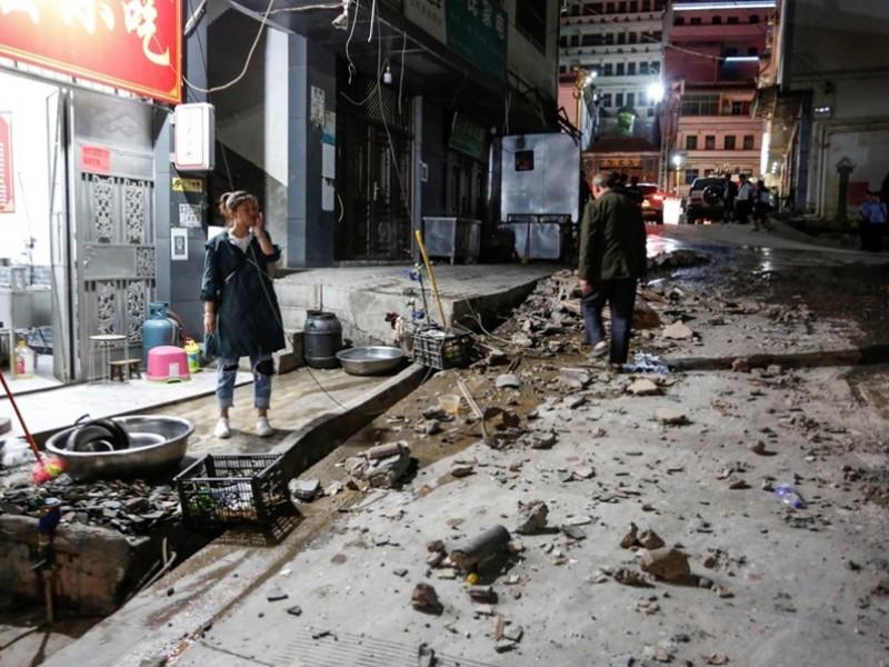 Fuerte sismo deja cuatro muertos y 23 heridos en China