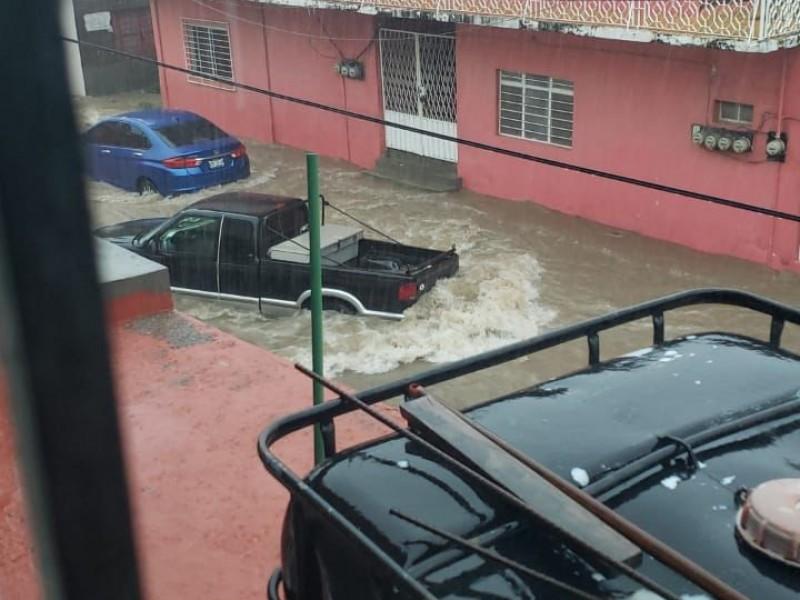 Fuertes lluvias genera afectaciones en Salina Cruz