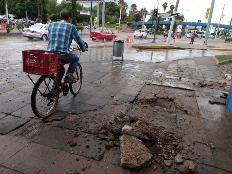 Fuga de agua anula tramo de ciclovía emergente en Boulevard