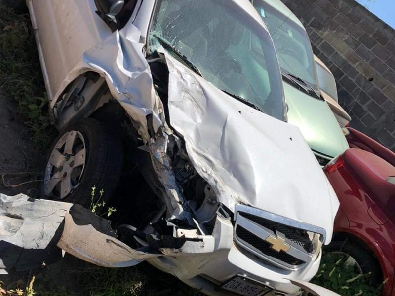 Funcionario presuntamente alcoholizado choca vehículo oficial