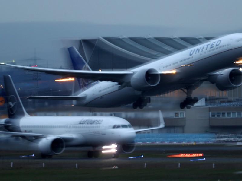 ¡Furia en el aire!, dos aviones protagonizan una carrera