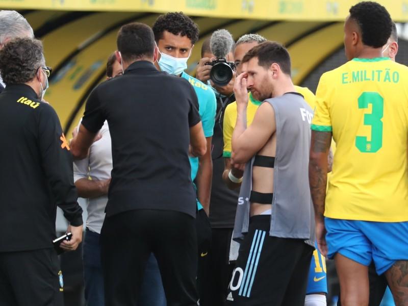 Futbolistas argentinos investigados en Brasil por infringir normas sanitarias