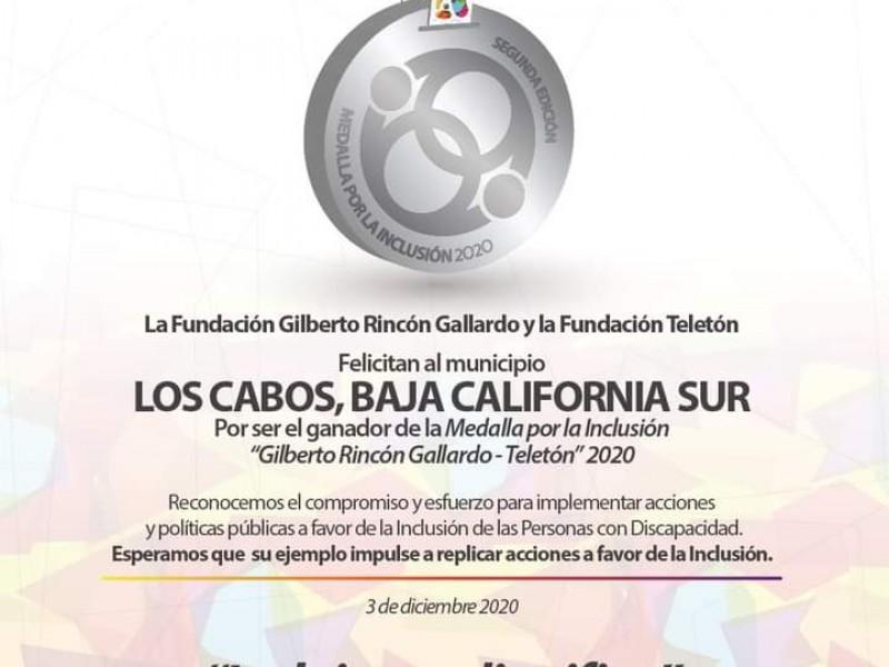 Galardonan al municipio con medalla Gilberto Rincón Gallardo