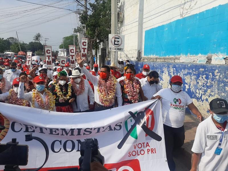 Gilberto Romo apertura campaña a la presidencia de Tehuantepec