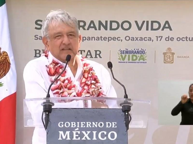 Gira de AMLO por Tapanatepec para supervisión de programas