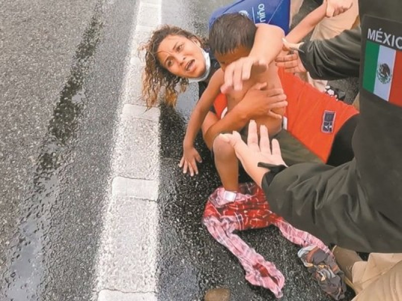 GN intercepta a caravana migrante. Domingo de altercados