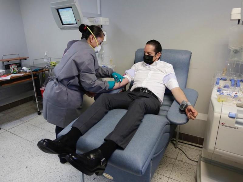 Gobernador de Qro es el primer donador de plasma