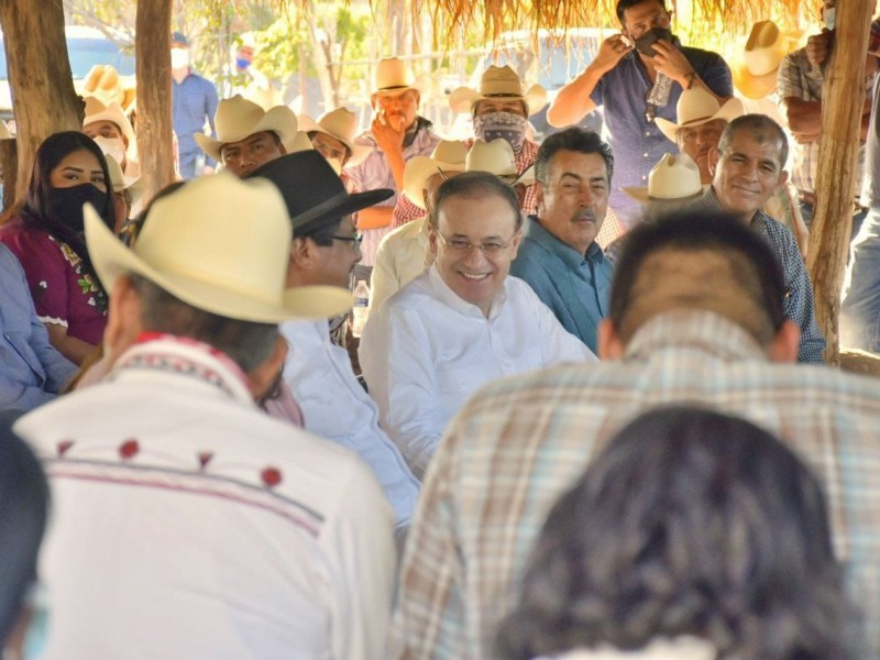 Gobernador firma compromiso histórico con los pueblos yaquis