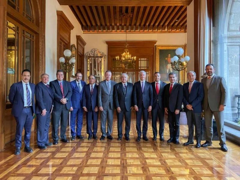 Gobernadores del PRI anuncian su incorporación al INSABI