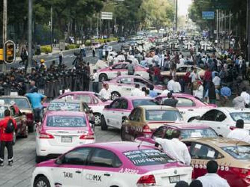 Gobierno capitalino se desmarca de taxistas que marcharían