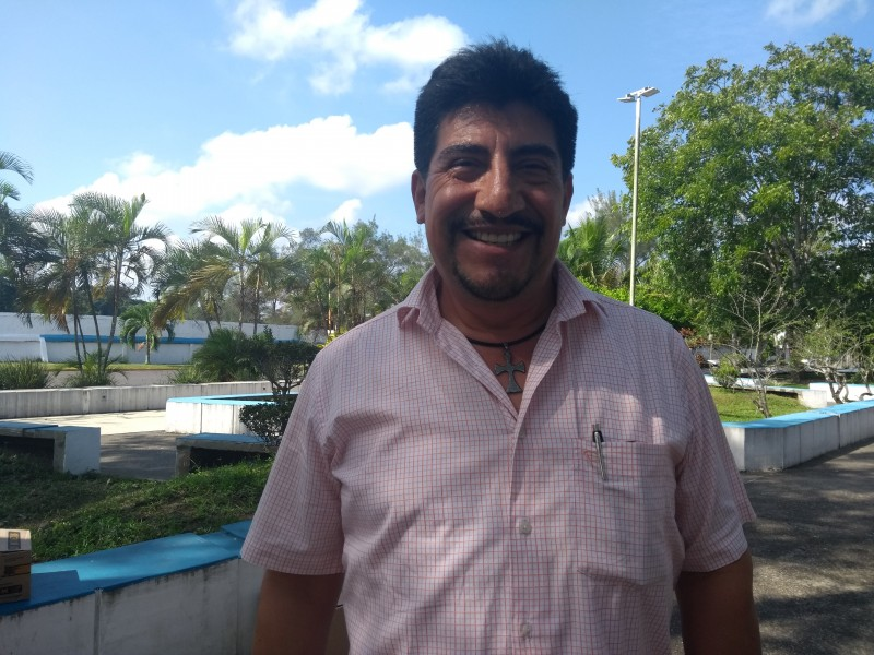 Gobierno de MYL no pagó a maestros sobresalientes
