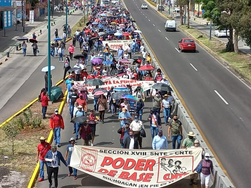 Gobierno, en busca de acuerdos con CNTE y normalistas