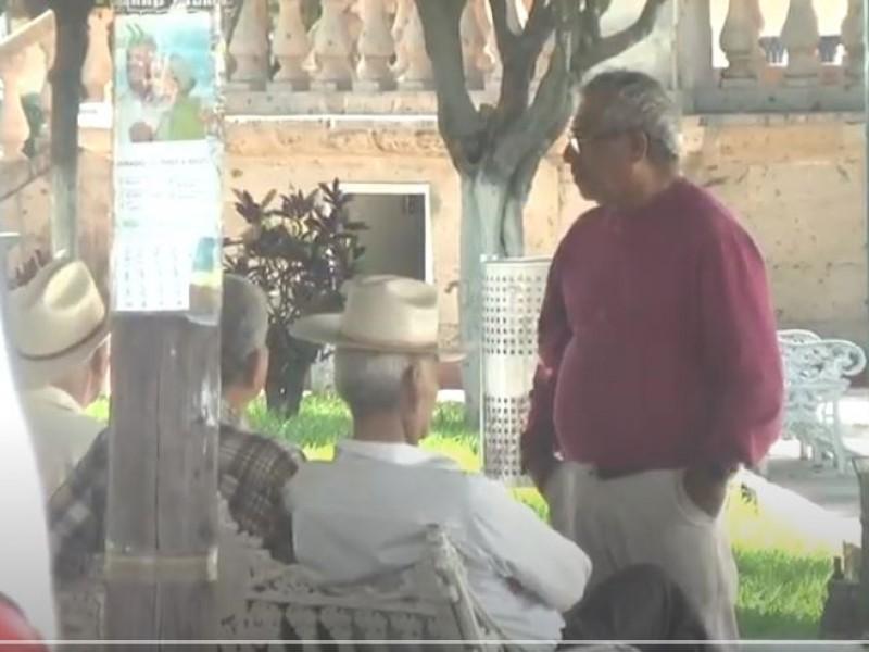 Gobierno Estatal adeuda 3 bimestres de pensión a adultos mayores