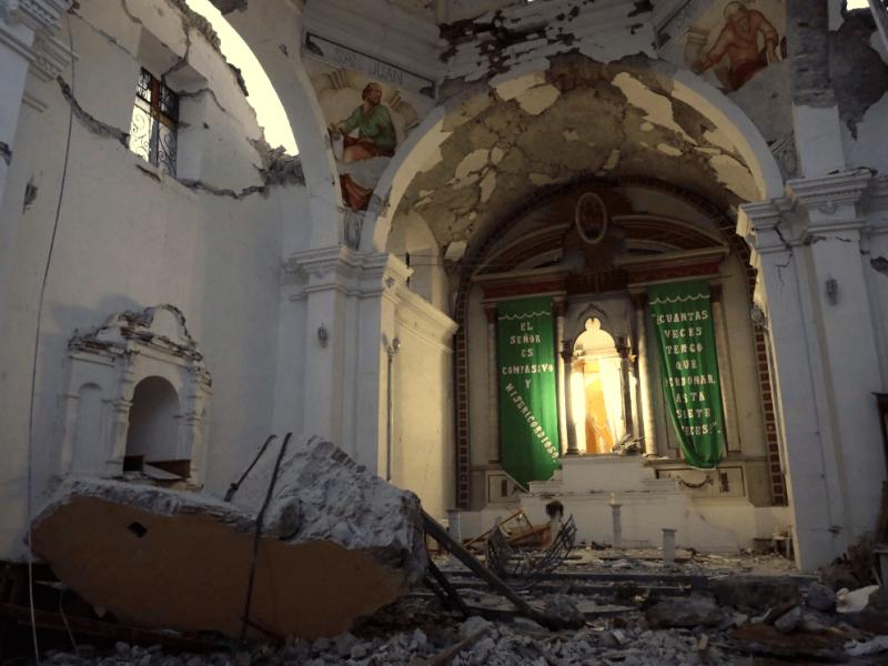 Gobierno gasta seguro que era para reparar daños del sismo