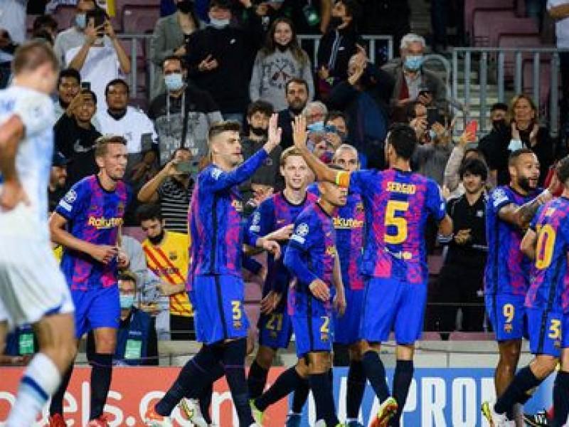 Gol de Piqué mantiene esperanzas del Barcelona en Champions League