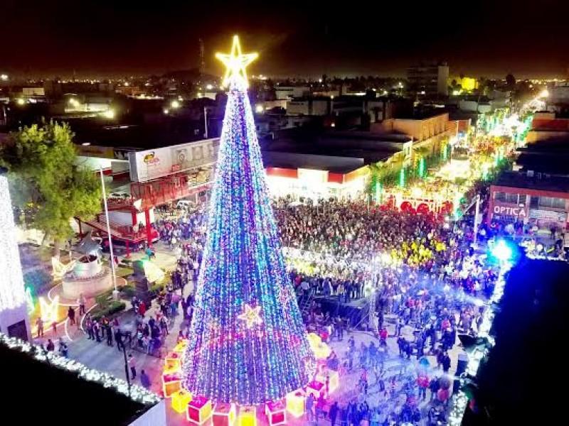 Gómez Palacio se invade de espíritu navideño