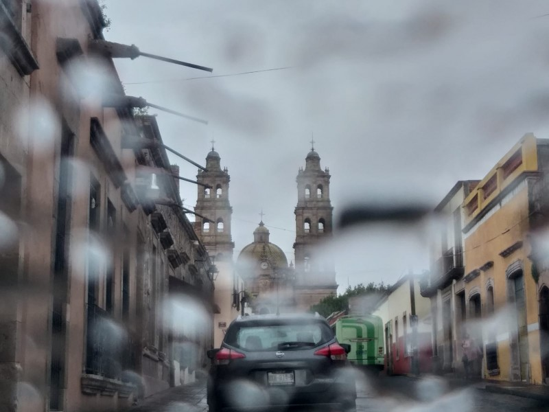 Grace toca Michoacán; alertan mar de fondo en Lázaro Cárdenas