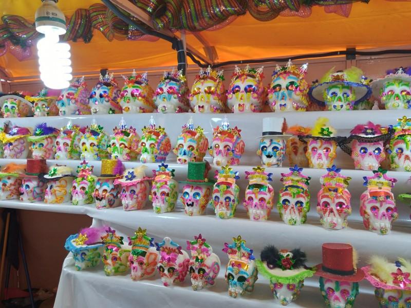 Gran afluencia  en la Feria del alfeñique mejora ventas