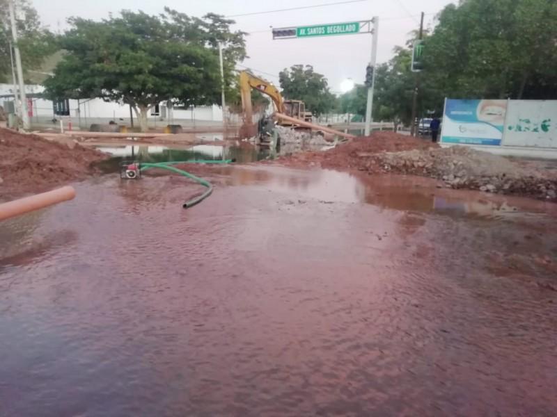 Gran fuga deja sin agua a colonias de Los Mochis