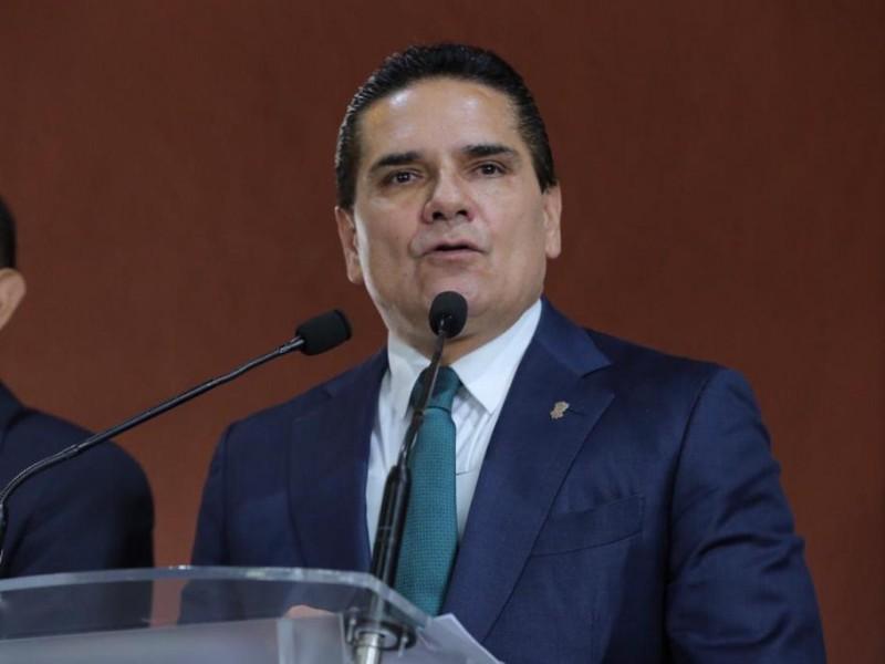 Grosero e irrespetuoso director de Pemex: Silvano Aureoles