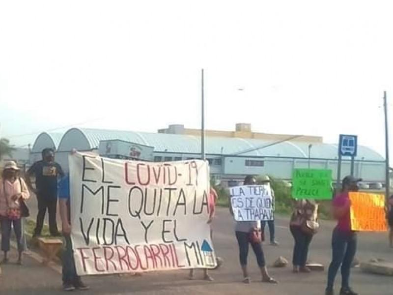 Grupo de manifestantes se oponen al Tren Interoceánico en Istmo