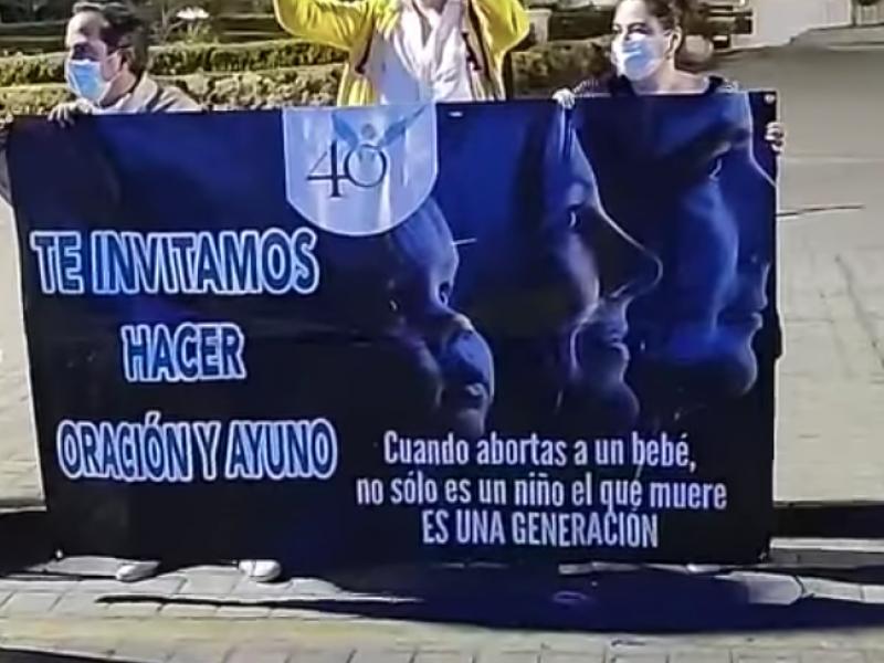 Grupo provida se manifiesta en contra del aborto