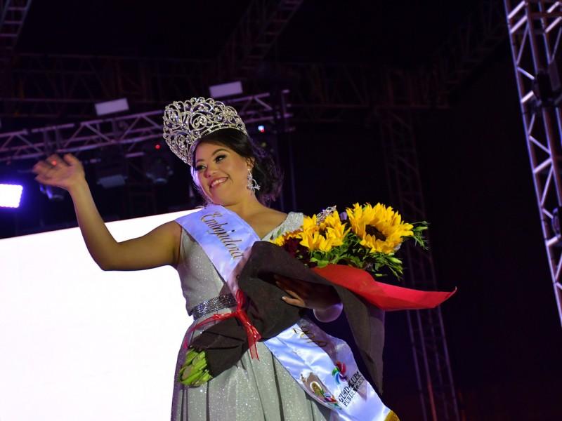 Guadalupe elige primera reina con discapacidad en feria