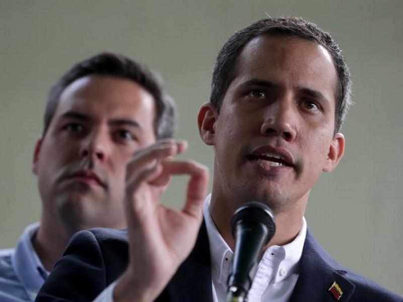 Guaidó exige la liberación del jefe de despacho
