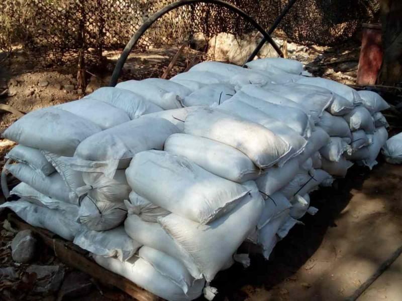 Hallan narcolaboratorio en Culiacán con 189 costales de droga
