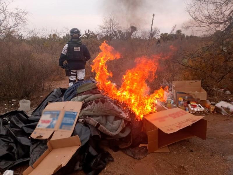 Guardia Nacional destruye campamentos presumiblemente utilizados por la delincuencia organizada