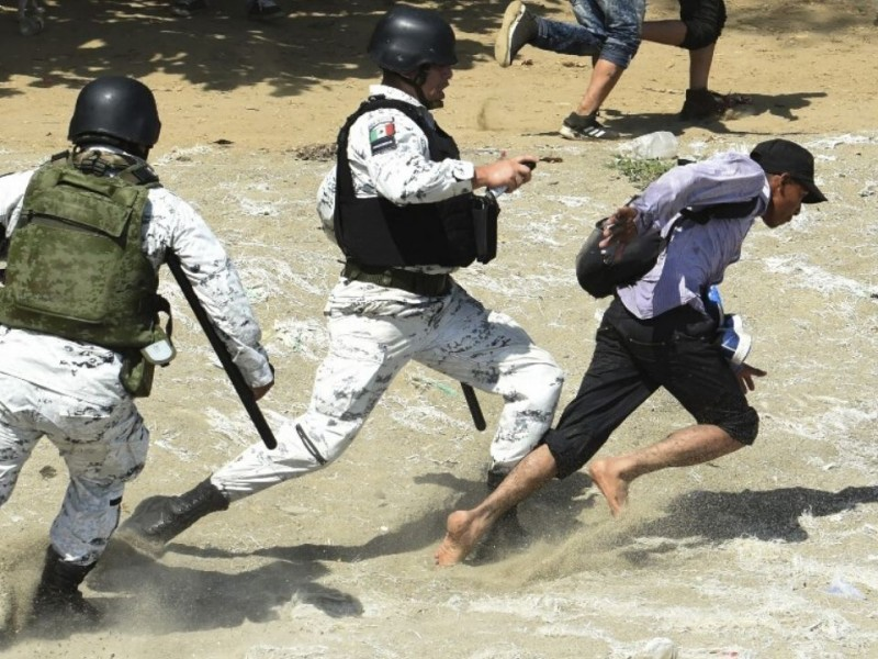 Guardia Nacional frena a migrantes en la frontera