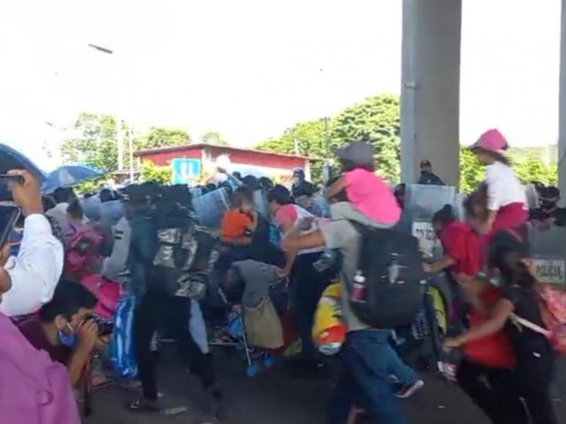 Guardia Nacional,  no logro contener la caravana de migrantes