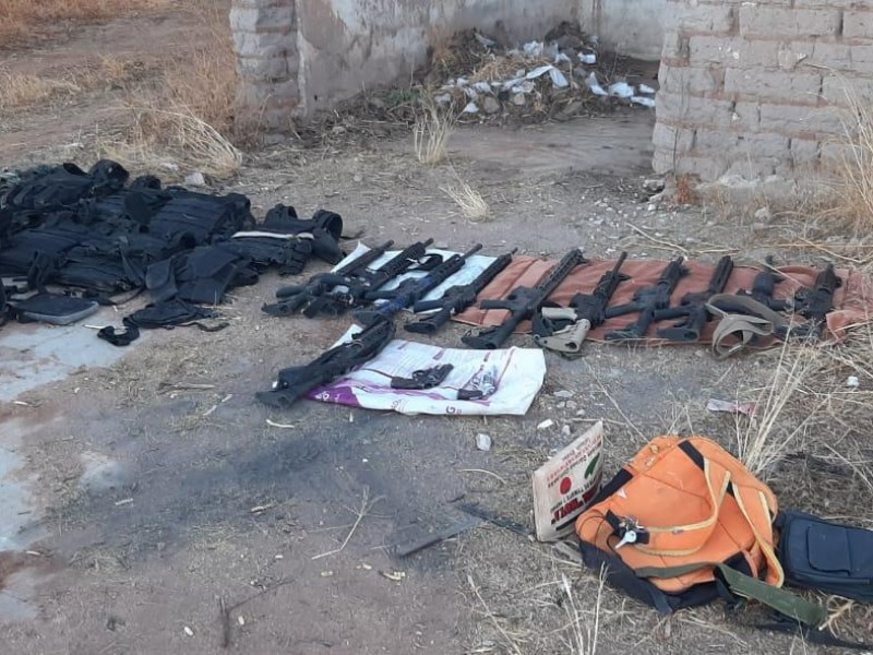 Guardias Nacionales detienen a siete personas con armamento y vehículos