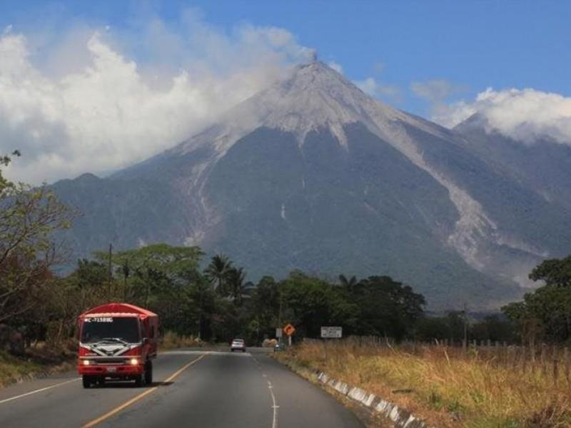 Guatemala reforzará monitoreo por volcán de Fuego