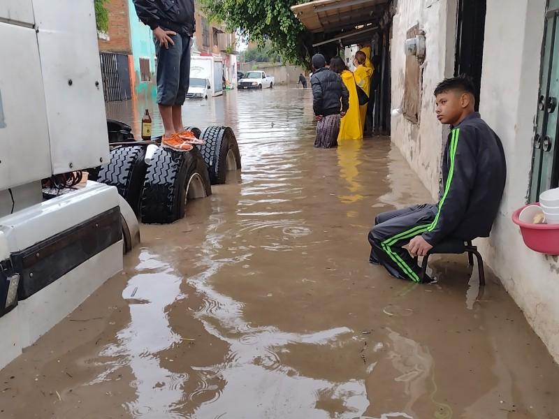 Habilitan albergues en Tlaquepaque para afectados por inundaciones