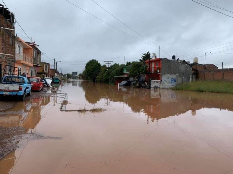 Habilitan refugio en Morelia tras inundaciones
