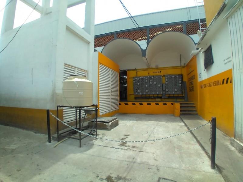 Habilitan zona de carga y descarga en mercado Ignacio Zaragoza