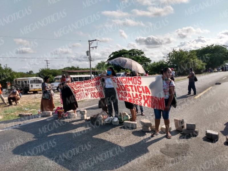 Habitantes de Xadani exigen nuevo censo de viviendas dañadas