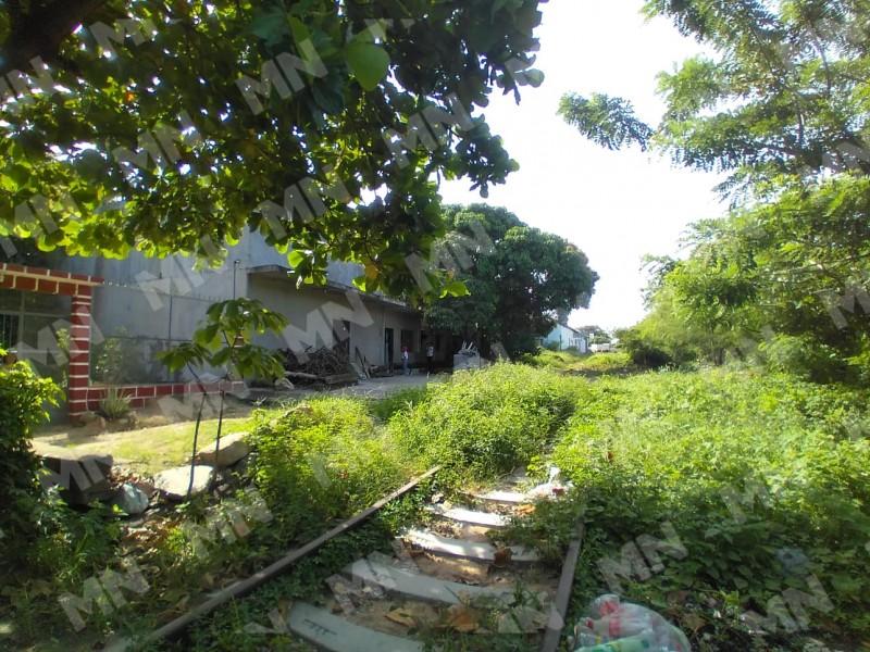 Habitantes cercanos a vías de ferrocarril sin información de reubicación
