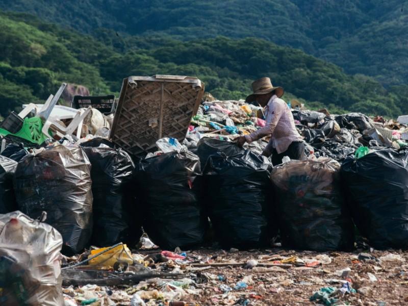 Habitantes de Guayabitos se manifiestan para exigir cierre de basurero